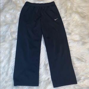 🦋 Kid's Nike Joggers size XL